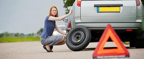 transport lawetą pomoc drogowa