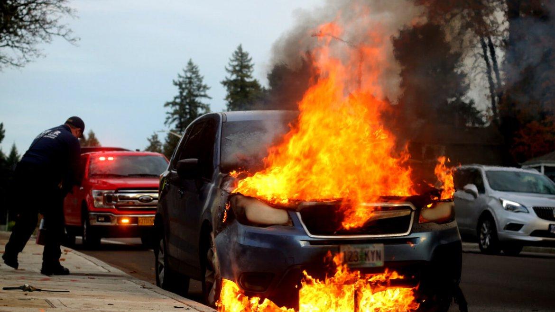Samozapłon samochodu – co robić?